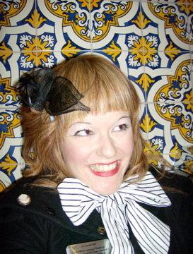 Smiley Girl Vintage Retro Bow Emma Rose Black