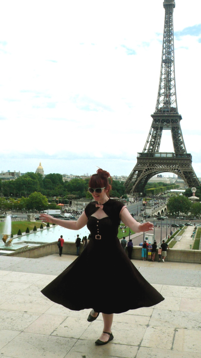 Eiffel Tower Paris Vintage 50s Dress Stop Staring
