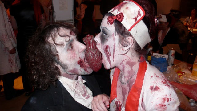 Zombie eating hearts at alice cooper's night of fear london 2012